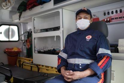 A socorrista Lia Regina Antunes, durante um plantão na semana passada.
