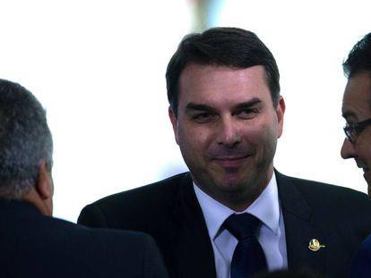 Flávio Bolsonaro em evento no Palácio do Planalto.