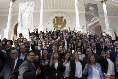 Parlamentares da oposição na Venezuela, no último dia 5 de janeiro.