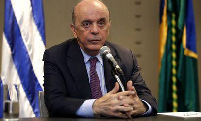 O chanceler brasileiro em Montevideo.