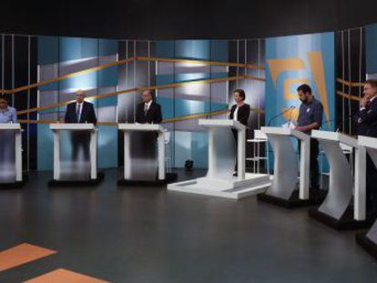 Apesar do grande número de presidenciáveis, a intensa polarização tende a dirigir escolha do eleitor. Segundo diretor do Datafolha, brasileiros têm acompanhado pesquisas com mais intensidade
