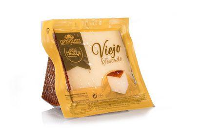 A reserva de mistura curada. Queijo Entrepinares (www.entrepinares.es). Espanha Este queijo é vendido em Mercadona.