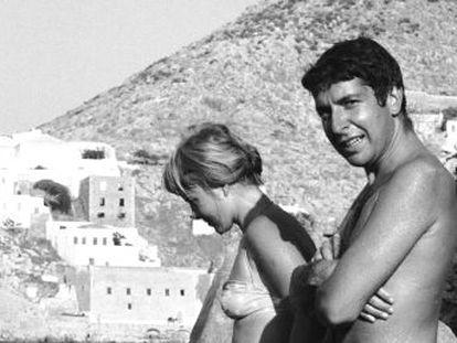 A musa do músico e poeta canadense durante os anos 60 morreu em Oslo, em 28 de julho. O destino de Marianne foi típico das musas  um amor que marca toda a sua biografia