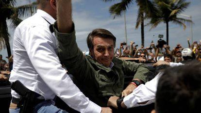 Jair Bolsonaro, neste domingo, depois de votar no Rio de Janeiro.