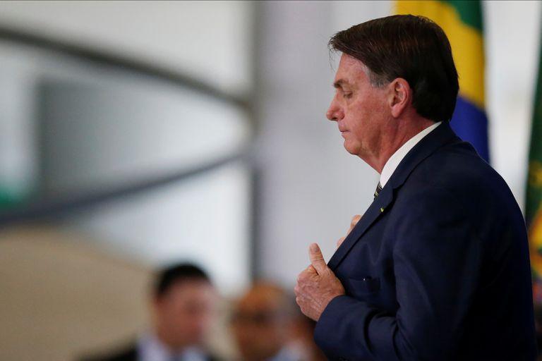 Bolsonaro na posse do novo ministro da Justiça, André Mendonça, no Planalto.