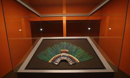 O penacho de Montezuma, exposto no Museu Etnográfico de Viena, em uma imagem de arquivo.