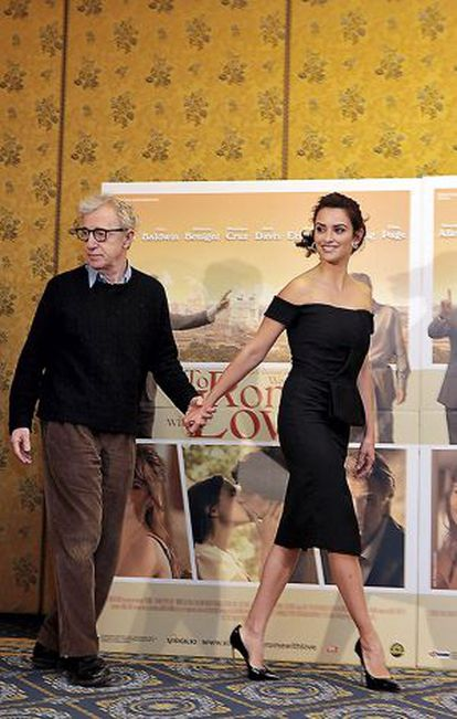 Woody Allen e Penélope Cruz, a quem dirigiu em 'Para Roma com amor'.