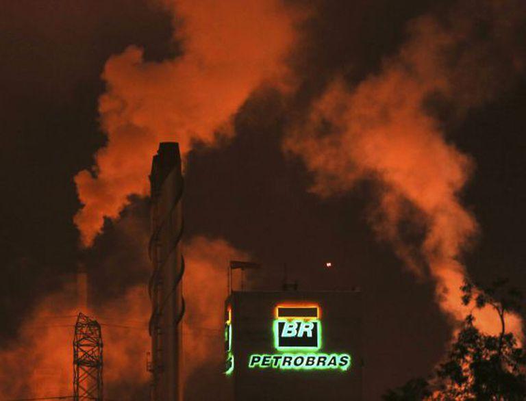 Uma das fábricas da Petrobras em Cubatão (SP).