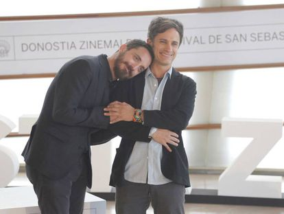 O diretor Pablo Larraín e o ator Gael García Bernal em San Sebastián.
