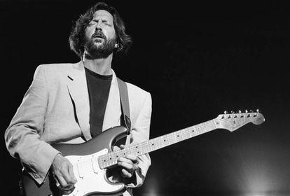 Eric Clapton, durante um show na época em que compôs 'Tears in Heaven'.