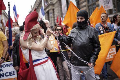 Manifestação contra as vacinas em Paris, no sábado.