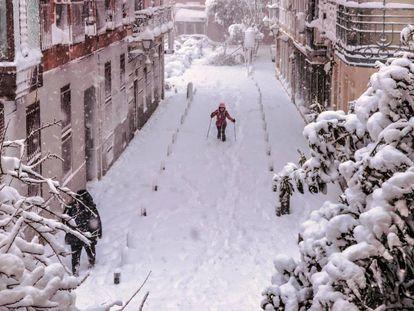 Tempestade Filomena, maior nevasca em 50 anos, tinge de branco a Espanha. Veja as imagens