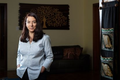 Lorena Barberia, professora da USP, pesquisadora da FGV e coordenadora científica da Rede de Pesquisa Solidária, em sua casa em São Paulo.