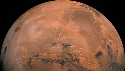 Vista geral de Marte obtida pelo módulo 'Viking' da NASA. No centro, o vale Marineris, um dos cânions mais profundos do sistema solar.