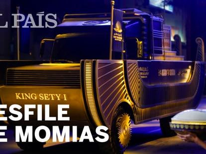 O grande desfile das múmias toma conta do Cairo
