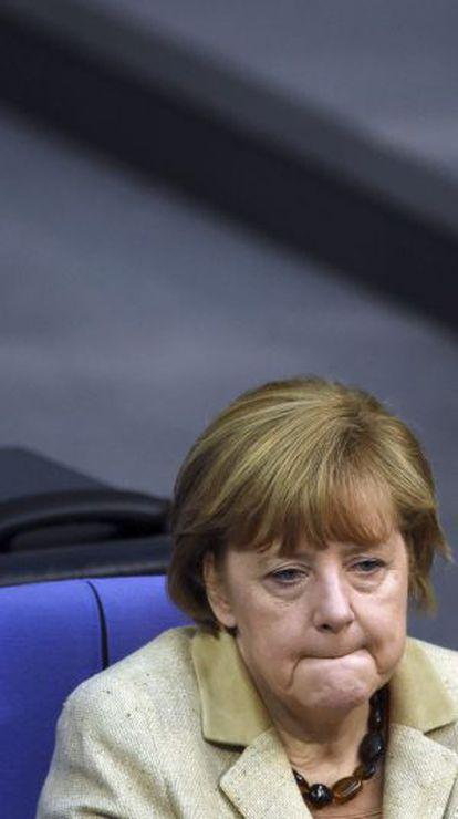 O chanceler alemã, Angela Merkel,durante um debate no Bundestag (Parlamento).