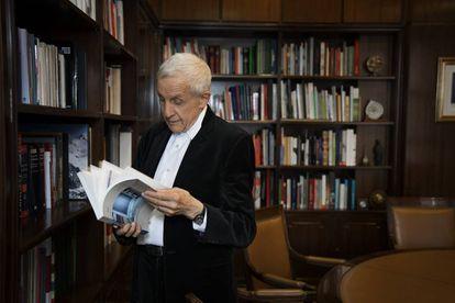 Kenneth Frampton, fotografado na Universidade Politécnica de Madri depois de receber o título de doutor honoris causa