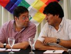 Evo Morales, el expresidente de Bolivia, junto a Luis Arce, candidato por el MAS, en Buenos Aires.