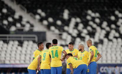 Seleção goleou o Peru jogando no Nilton Santos sem público, pela segunda rodada.