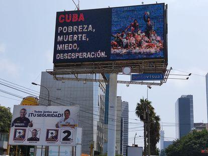 Anúncios nas ruas contra a candidatura de Pedro Castillo, em Lima. (J. F.).