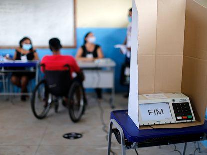 Urna eletrônica em seção de votação em Igarapé-Miri, no Pará, em novembro de 2020.