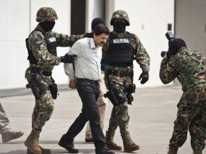 El Chapo Guzmán, no aeroporto da Cidade do México.