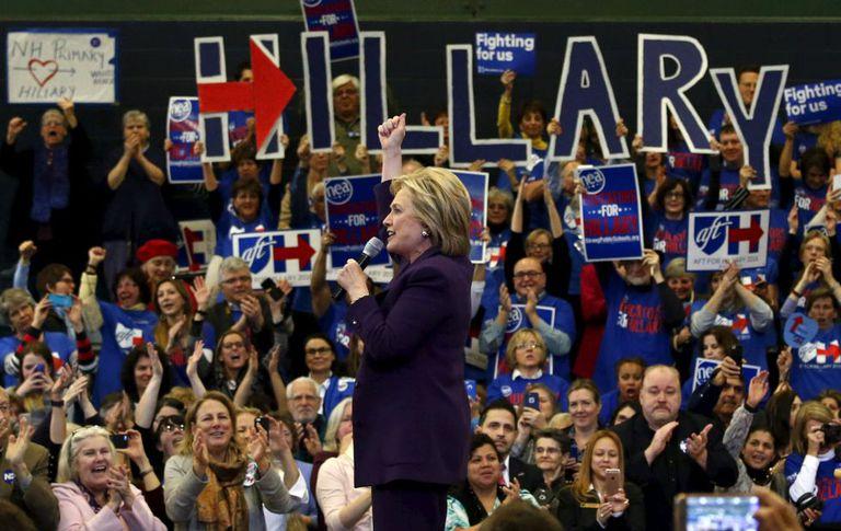 Hillary Clinton realiza um evento em Nashua, New Hampshire.