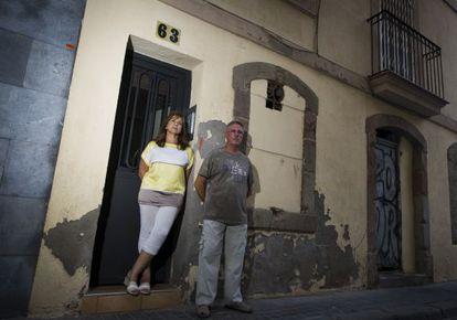 María Sánchez e José Pablo são dois dos prejudicados pelo Airbnb.