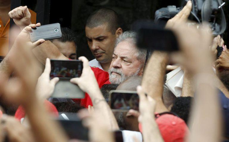 Lula, na casa onde vive, em São Bernardo do Campo.