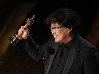 Bong Joon Ho, ao receber o Oscar de melhor roteiro adaptado.
