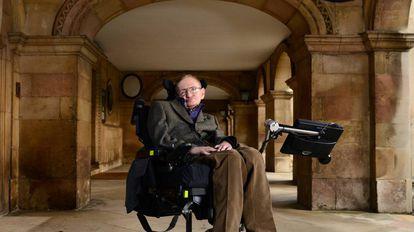 Stephen Hawking, fotografado em Cambridge em 2013.