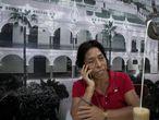 Regina Martínez, corresponsal de la revista Proceso en el estado de Veracruz, quien fuera asesinada el pasado 28 de Abril en el interior de su domicilio, la imagen fue tomada en el Cafe Parroquia, en el Puerto de Veracruz.16 DE ABRIL DE 2011, VERACRUZ, VER.FOTO: OCTAVIO GOMEZ