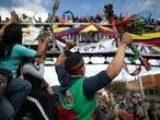 La minga indígena partió con dirección a Bogotá, Colombia. Los manifestantes buscan dialogar con presidente Iván Duque para reclamar el incumplimientos de acuerdos firmados el año pasado, reclaman los asesinatos líderes sociales y defensores de derechos humanos.