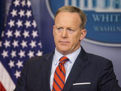 Sean Spicer corrigiu declaração com rapidez, em nota, depois de ignorar a execução de milhões de judeus nas câmaras de gás