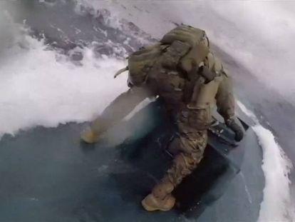 A perseguição de um submarino carregado de drogas