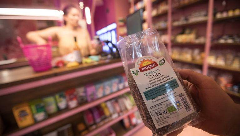Uma saca de sementes de chía em uma loja no centro de Madri.