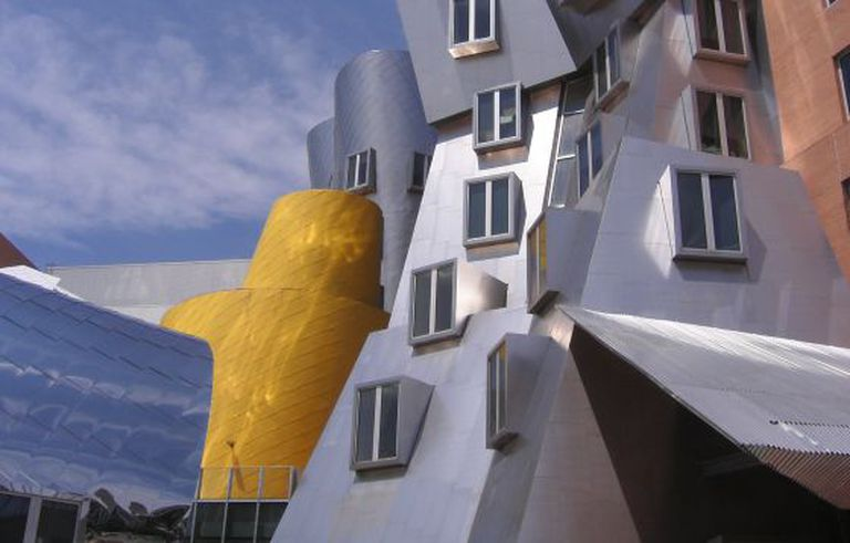 O Stata Center, no Massachusetts Institute of Technology, obra de Frank Gehry.
