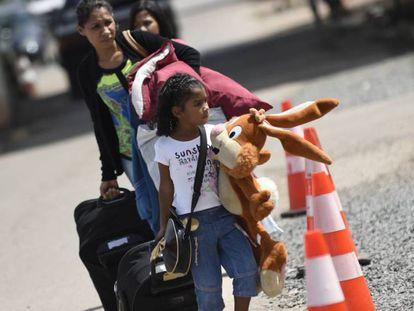 Imigrantes chegam em Pacaraima.