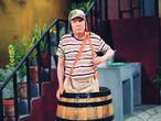 Roberto Gómez Bolaños fue uno de los artistas más populares en Latinoamérica gracias a sus míticos personajes infantiles. El Chavo del 8, el Chapulín Colorado, el Chómpiras y el doctor Chapatín son sólo algunos de los protagonistas de sus programas, interpretados por él y que a pesar de que nacieron en los setenta, aún hoy se emiten en la mayoría de los países latinoamericanos. Tenía 85 años cuando murió el 29 de noviembre de 2014.