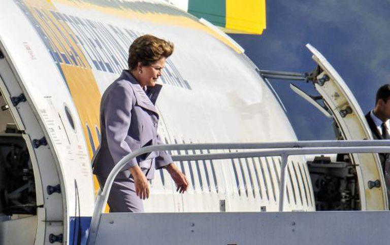 Dilma Rousseff chega à cúpula da CELAC na Costa Rica.