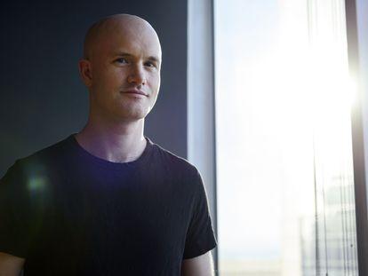 Brian Armstrong, cofundador e CEO da Coinbase em dezembro de 2017.