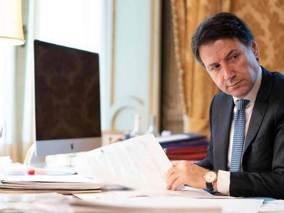 O primeiro-ministro da Itália, Giuseppe Conte, na quinta-feira no palácio Chigi em Roma.