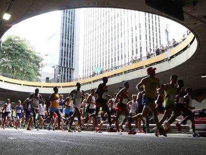 Corredores na 91ª Corrida de São Silvestre, em São Paulo.