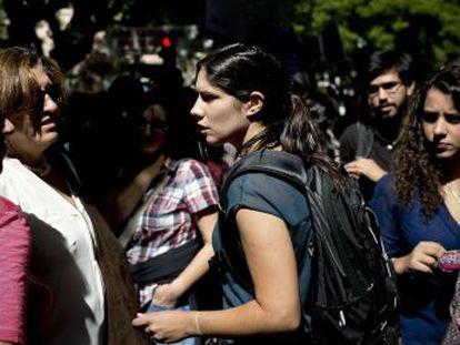 Mariana Mortágua, do BE, em um protesto contra os cortes na educação.