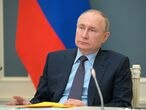 FILE PHOTO: Russian President Vladimir Putin attends a session of the board of trustees of the Russian Geographical Society via a video conference call in Moscow, Russia April 14, 2021. Sputnik/Alexei Druzhinin/Kremlin via REUTERS  ATTENTION EDITORS - THIS IMAGE WAS PROVIDED BY A THIRD PARTY./File Photo