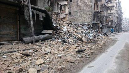 As ruas desertas e arruinadas de Aleppo Oriental.