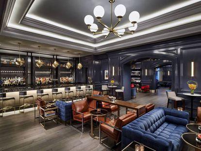 O bar do hotel Ritz-Carlton de Washington.