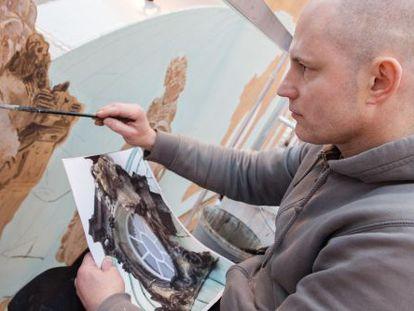 Michel Lenz em seu atelier no estúdio de cinema Babelsberg.