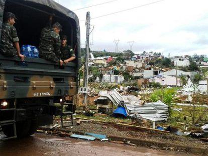 Casas destruídas em Xanxerê.