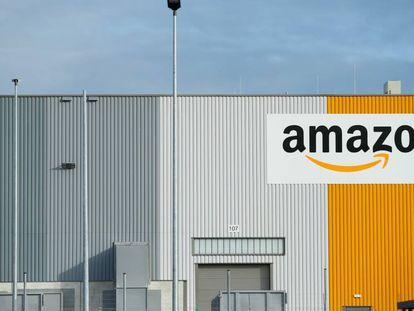 Imagem de um centro da Amazon em Dortmund, Alemanha.